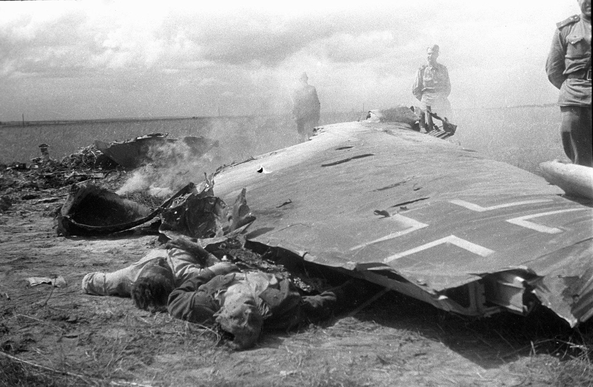 Фото сбитые самолеты вов